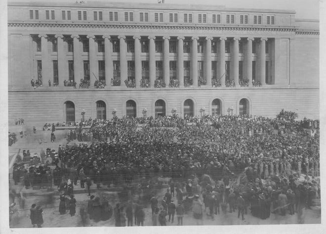 Oct. 18, 1919: Hundreds of people crowd around for the dedication of the  new Hamilton County Courthouse in Cincinnati.