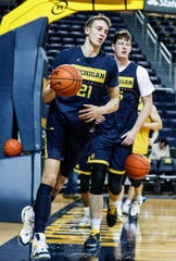 Michigan guard Franz Wagner (21) at practice during media day at Crisler Center in Ann Arbor, Thursday, Oct. 17, 2019.