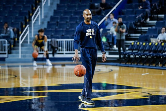 Michigan assistant coach Saddi Washington gives instructions at practice during media day at Crisler Center in Ann Arbor, Thursday, Oct. 17, 2019.