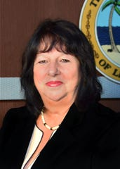 Debbie Jordan, Lee County school board