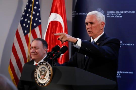 El vicepresidente Mike Pence y el secretario de estado Mike Pompeo anuncian el acuerdo entre Turquía y EEUU.