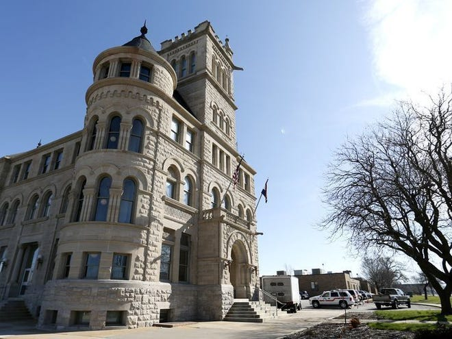 Fourteen candidates have filed for Springfield City Council and mayor.
