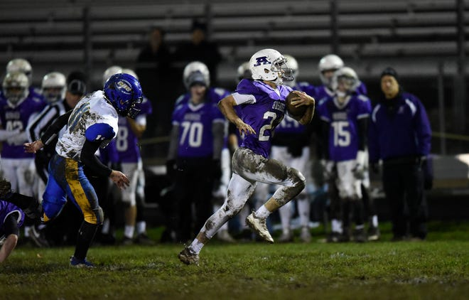 Albany running back Will Mergen breaks free for his third touchdown of the first quarter against Cathedral Wednesday, Oct. 16, 2019, at Albany High School.