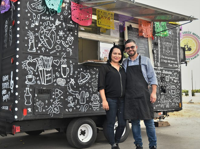 Noe Maldonado and Maira Romo started Que Concha in August. The food truck has grown a loyal clientele in just a few weeks.