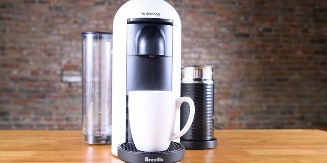 Los mejores regalos para la abuela: Nespresso VertuoPlus de Breville