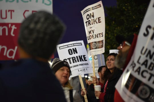 Westlake Legal Group 4cc717c3-6485-48be-8590-c7ec568613bd-AP_Chicago_Schools_Strike A day without teachers: 32,000+ educators in Chicago went on strike. Here's what it was like.