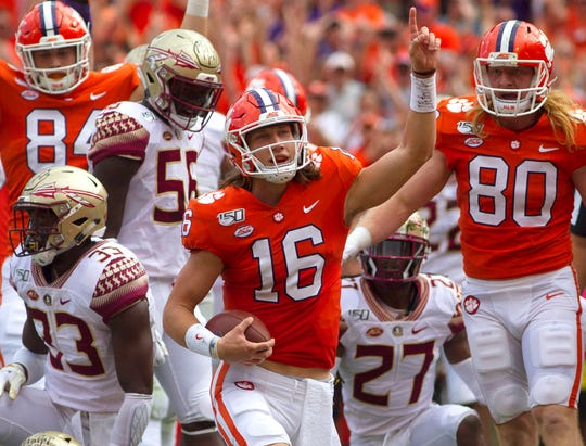 Trevor Lawrence looks a lot like Deshaun Watson at Clemson in 2016