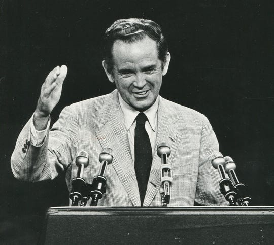 Michigan Gov. William G. Milliken, speaks on July 14, 1980, during the second session of the Republican National Convention in Detroit.
