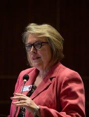 Current Dean of Nursing Melinda Oberleitner