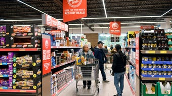 Take a walk through Vineland's new ALDI supermarket during the grand opening on Thursday, Oct. 17, 2019.