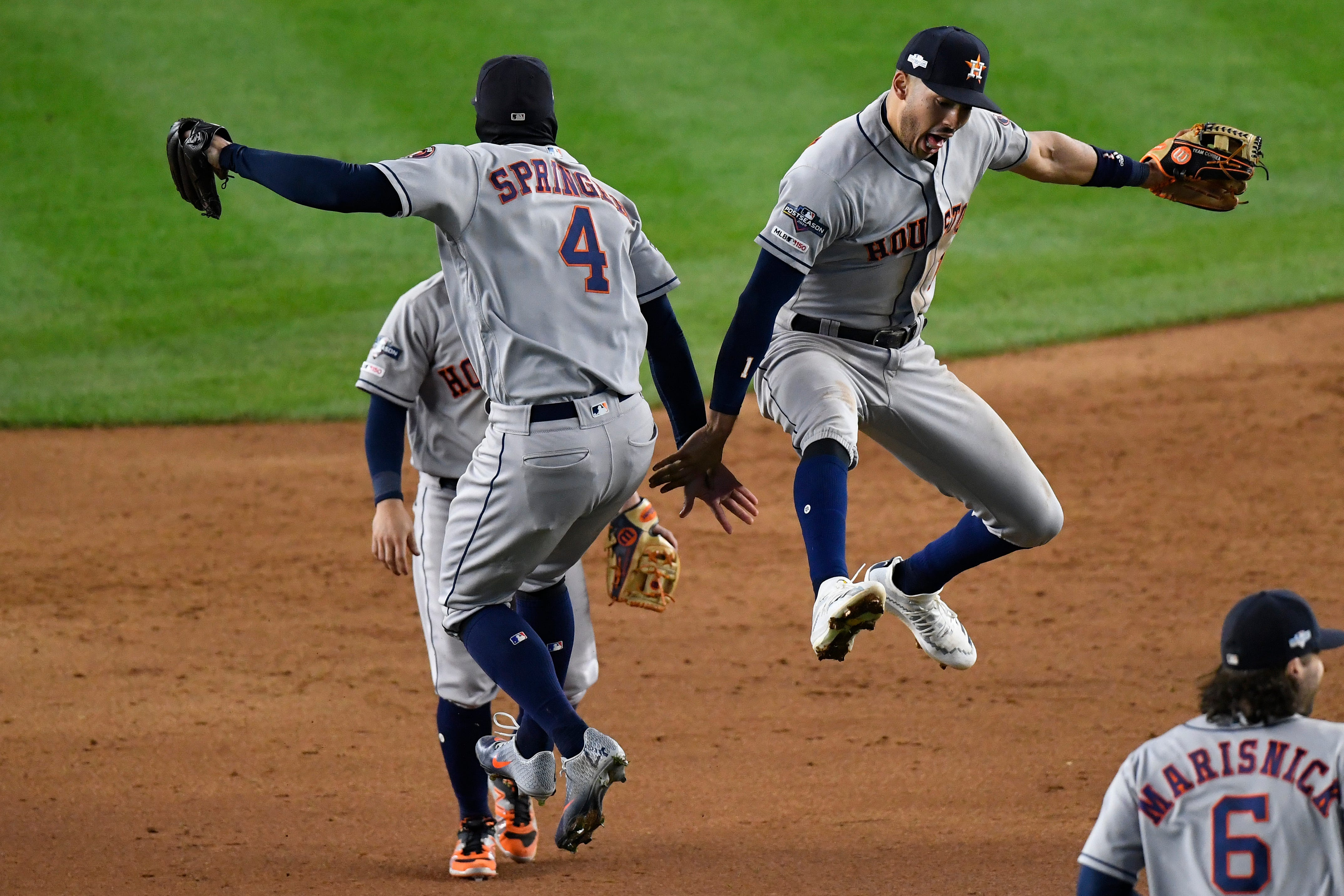 Astros get last laugh with ALCS Game 4 win, silence Yankee Stadium fans