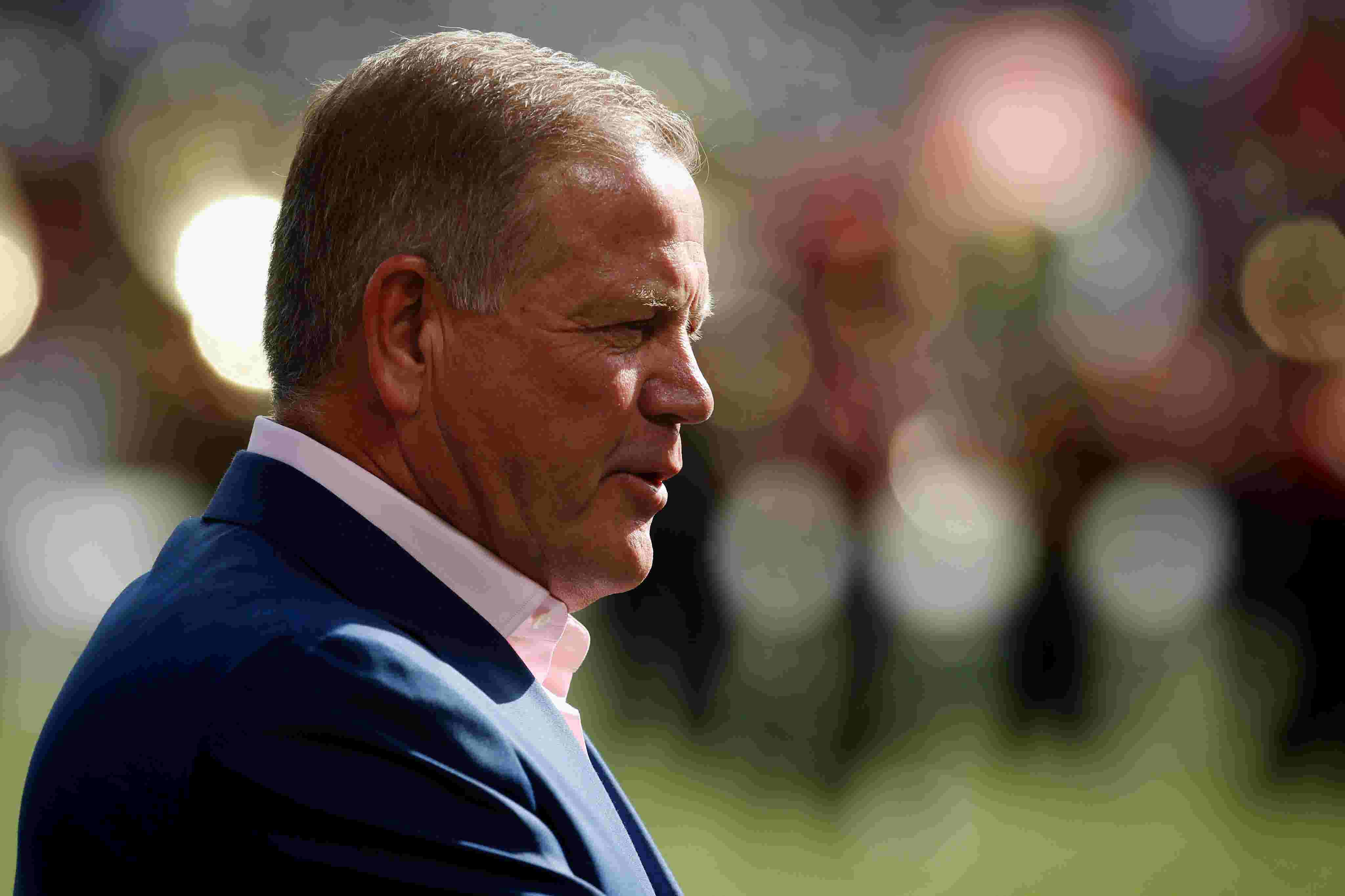 Brian Kelly returns to Nippert Stadium to 'properly thank' his 2009 team