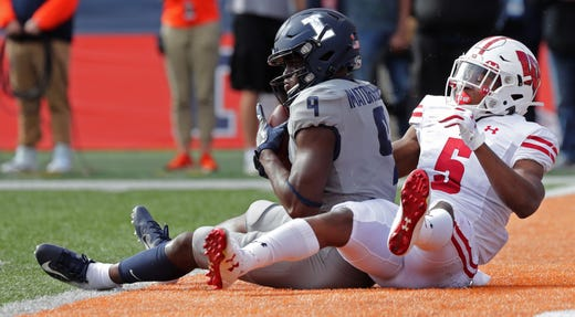 Illinois 24 Wisconsin 23 No 6 Badgers Suffer First Loss