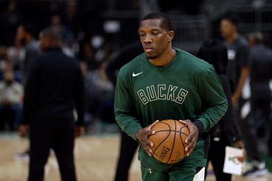 Bucks guard Eric Bledsoe has been dealing with a rib injury.