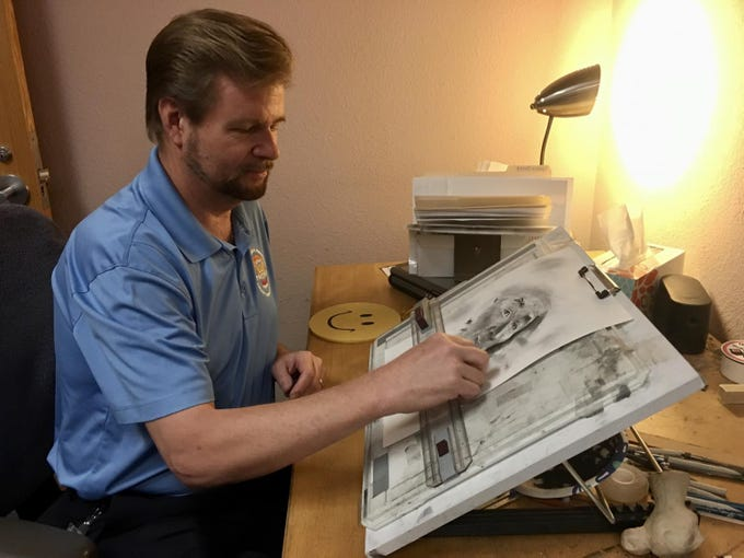 Forensic artist Kirt Messick helps the Phoenix Police Department with his sketches