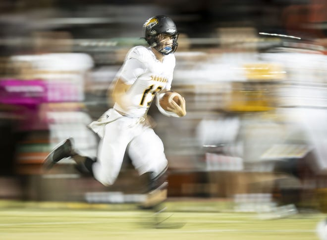 Scottsdale Saguaro football is slated to take on Southern California power Chatsworth Sierra Canyon in a nationally-televised game.