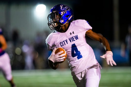 City View receiver Trey Brown runs in the open field during the Mustangs' matchup with Gunter on Friday, Oct. 18, 2019.