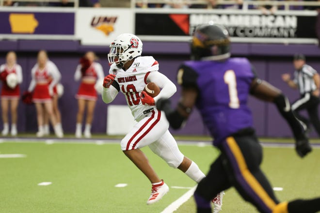 South Dakota freshman wide receiver Billy Conaway runs after the catch during USD's 42-27 loss at Northern Iowa on Oct. 19, 2019.