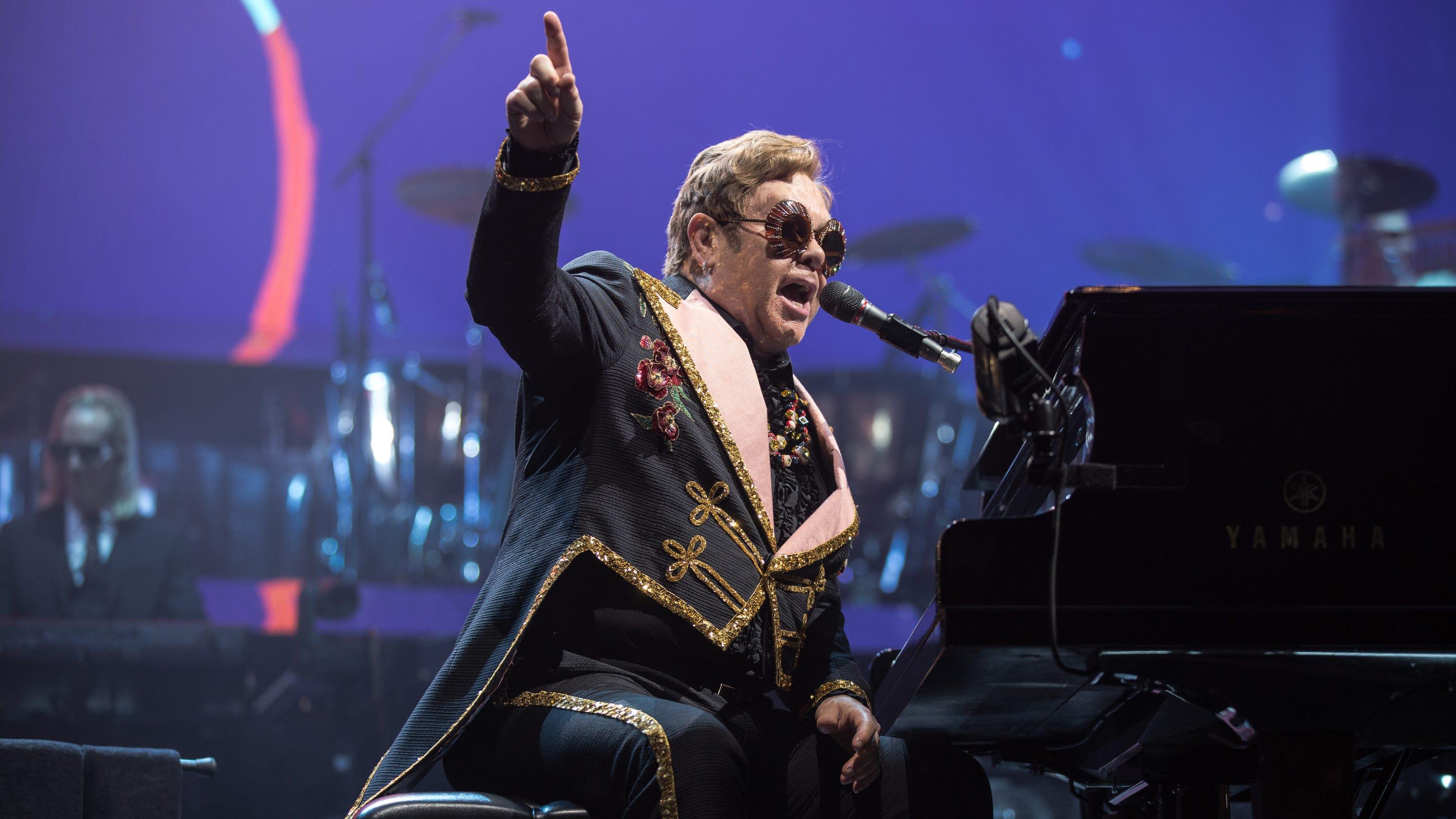 Elton John bringing fa...