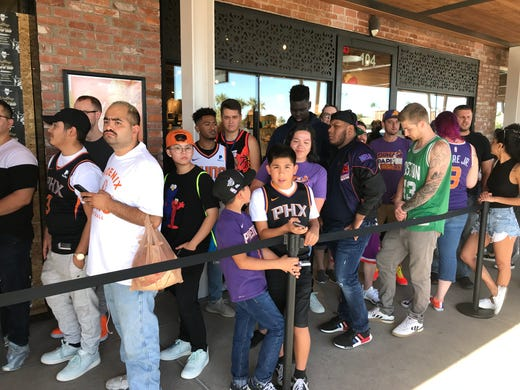 Hundreds show up for Phoenix Suns forward Kelly Oubre Jr.'s 'Valley Boyz' pop-up shop