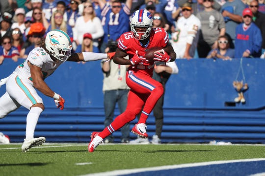 Bills receiver John Brown beats Miami's Ryan Lewis for a 20-yard touchdown reception.  The Bills beat the Dolphins 31-21.