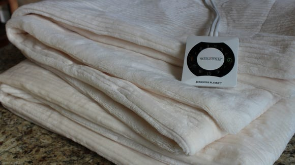 Best gifts for wives 2019: L.L. Bean heated blanket