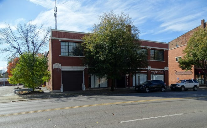 The building at 30 East Main Street is a former auto dealership and is currently owned by the Chillicothe Telephone Company. If approved for demolition, LCNB National Bank plans to turn the location into a new bank building with public green space.