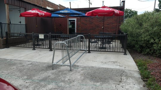 The outdoor patio at Pyra Pizzeria in Norwalk.