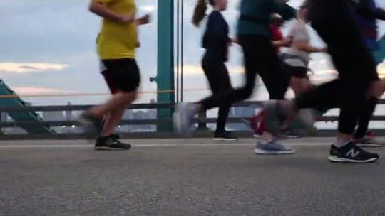 He dropped an amazing 475 pounds, then ran Detroit's marathon