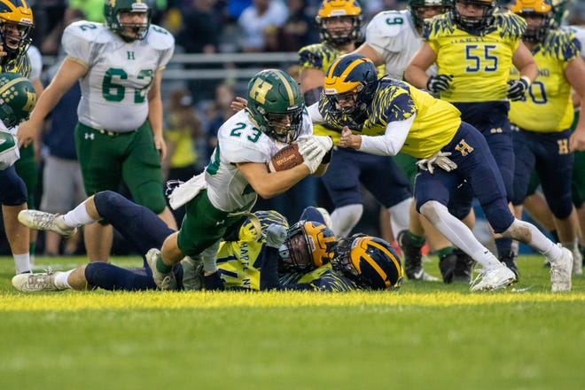 Howell and Hartland are 4-4 football teams that hope to win this Friday and make the state playoffs as additional qualifiers.