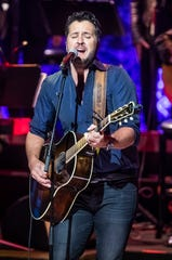 Luke Bryan performs during the Medallion Ceremony at the Country Music Hall of Fame Sunday, October 20, 2019.