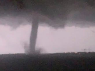 Power out for almost 140,000 after Dallas tornado damages homes, downs trees