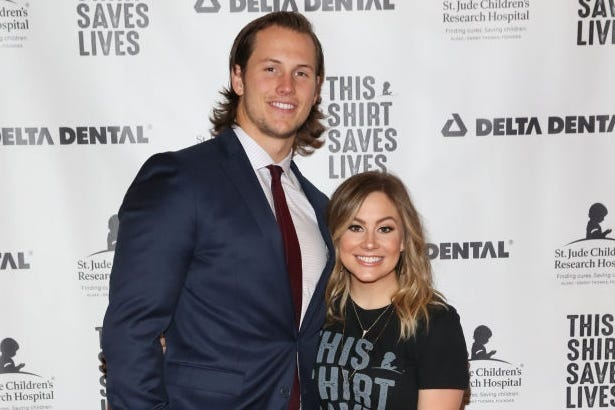 "Shawn Johnson calls husband Andrew East her ""rock"" and says he will make ""the greatest daddy ever."""