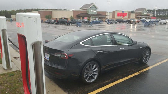 Heavy rain degraded the Tesla Model 3 battery and forced a change in route.