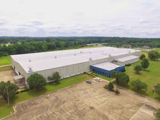 New Way Trucks, a refuse truck and equipment manufacturer based in Iowa, is planning to expand  manufacturing to a 152,000-square-foot facility in Booneville, Miss. The project will initially create 100 jobs, the company said in its October 2019 announcement.