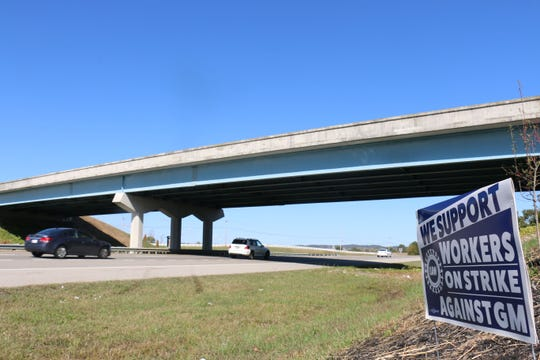 The bridge connecting drivers to the south entrance of GM was empty Oct. 22, 2019, after a picketer died after a driver struck and killed him.