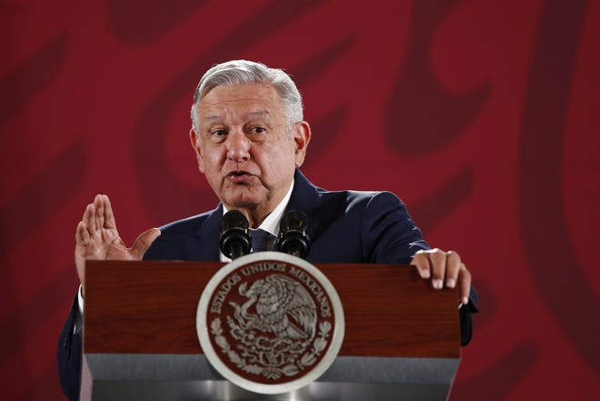 El presidente de México, Andrés Manuel López Obrador, habla este martes durante su conferencia matutina en Palacio Nacional, en Ciudad de México (México).