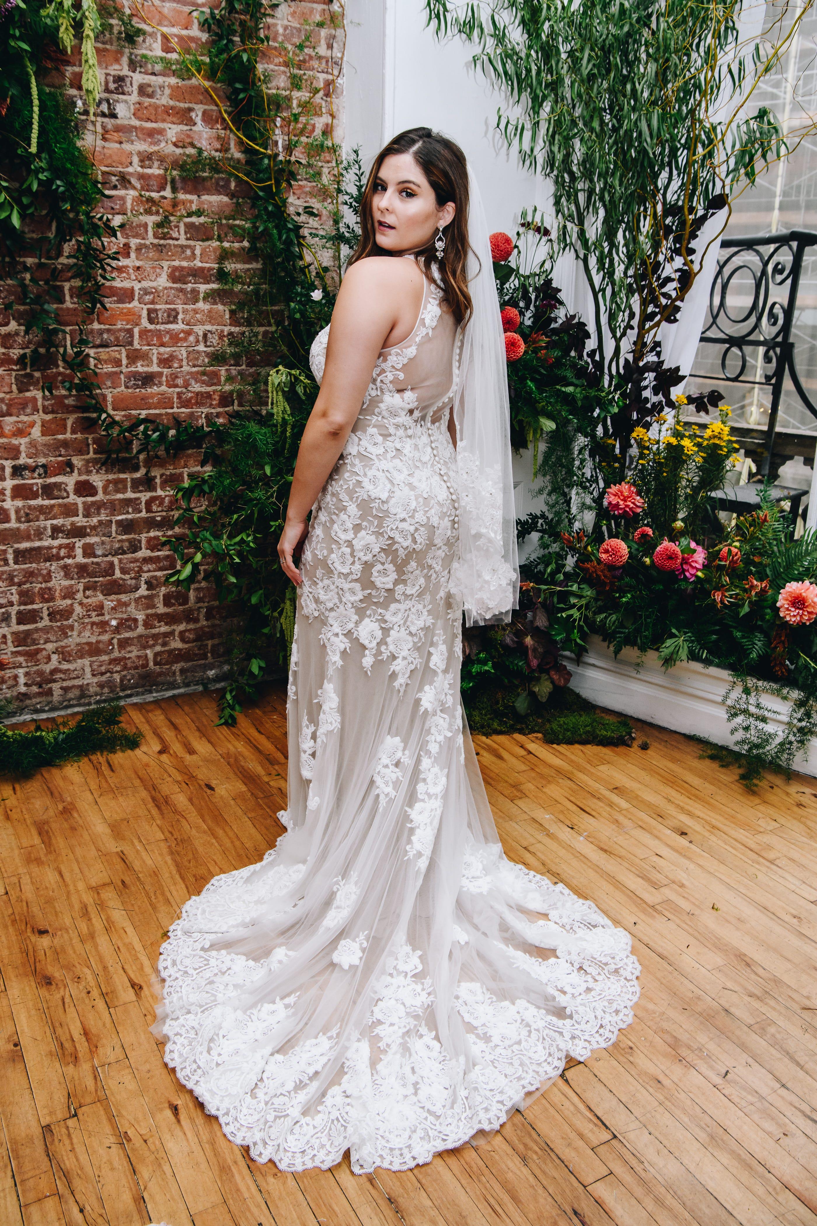 Wedding Dress Chain David S Bridal Plans Big Changes After Bankruptcy,Short Red Dress For Wedding
