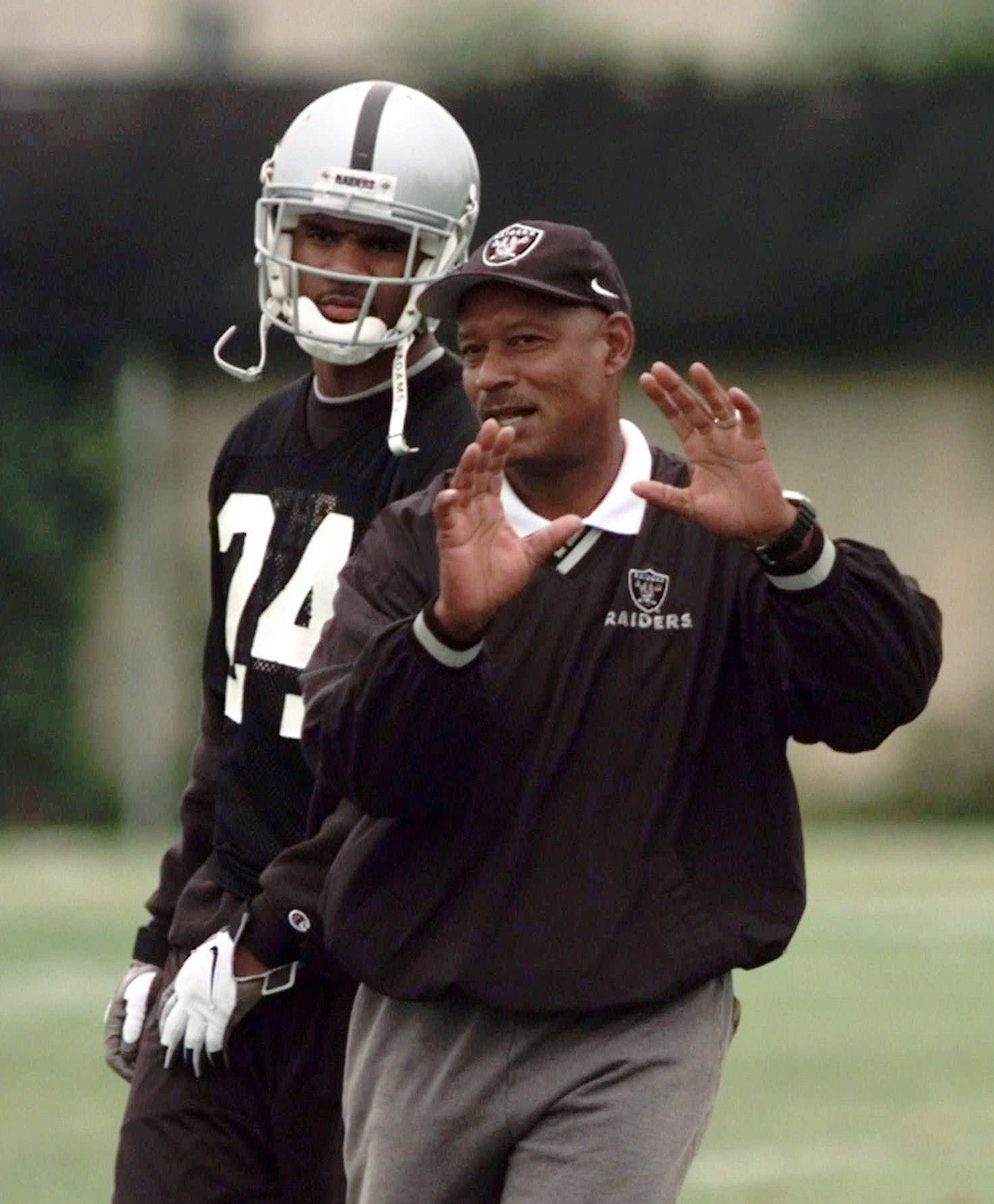 Raiders legend, Hall of Famer Willie Brown dies at 78