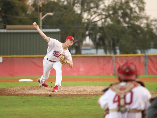 Carson King throws a pitch for Florida Southern. King transferred to the College of Central Florida and will be playing for FGCU in early 2021.