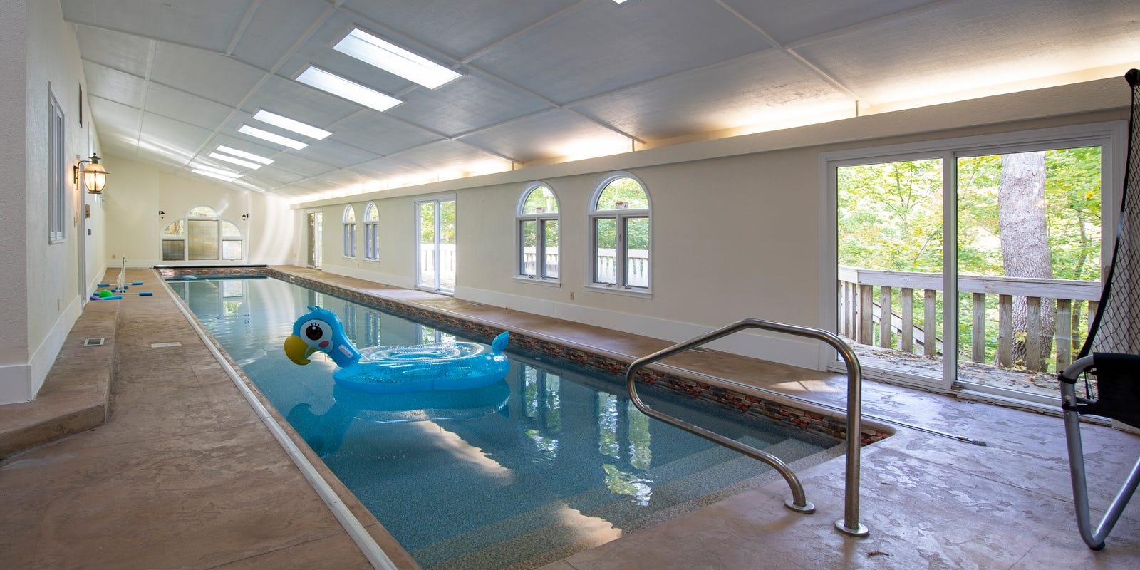 Hot Property Northwestside Home For 410k Has 4 Bedrooms Indoor Pool