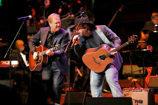 Steve Wariner and Garth Brooks perform together at the Musicians Hall of Fame Induction Ceremony and Concert, October 22, 2019.