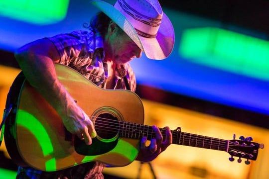 Brian Smalley plays at 8 p.m. Friday at Blue Tavern