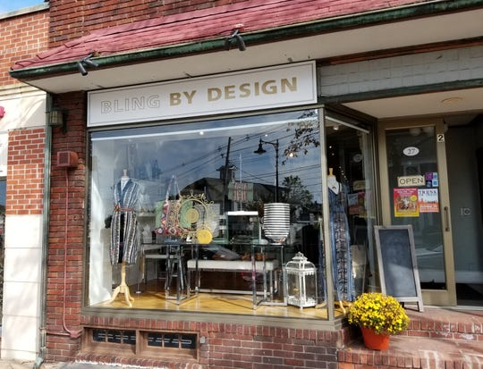 Bling by Design opened as Bling in May 2014.  Owner Christina Gianni modified the name and inventory when she took over in September 2017.  She focuses the inventory more on women's clothing and accessories and less on giftware.