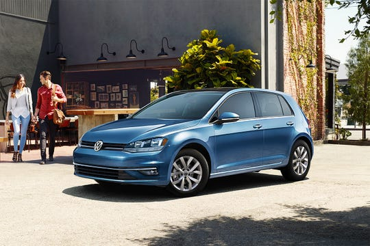 The 2020 Golf is equipped with upscale features like KESSY keyless access with push-button start, leatherette seating surfaces, heated front seats, a panoramic tilt-and-slide sunroof, and heated washer nozzles.