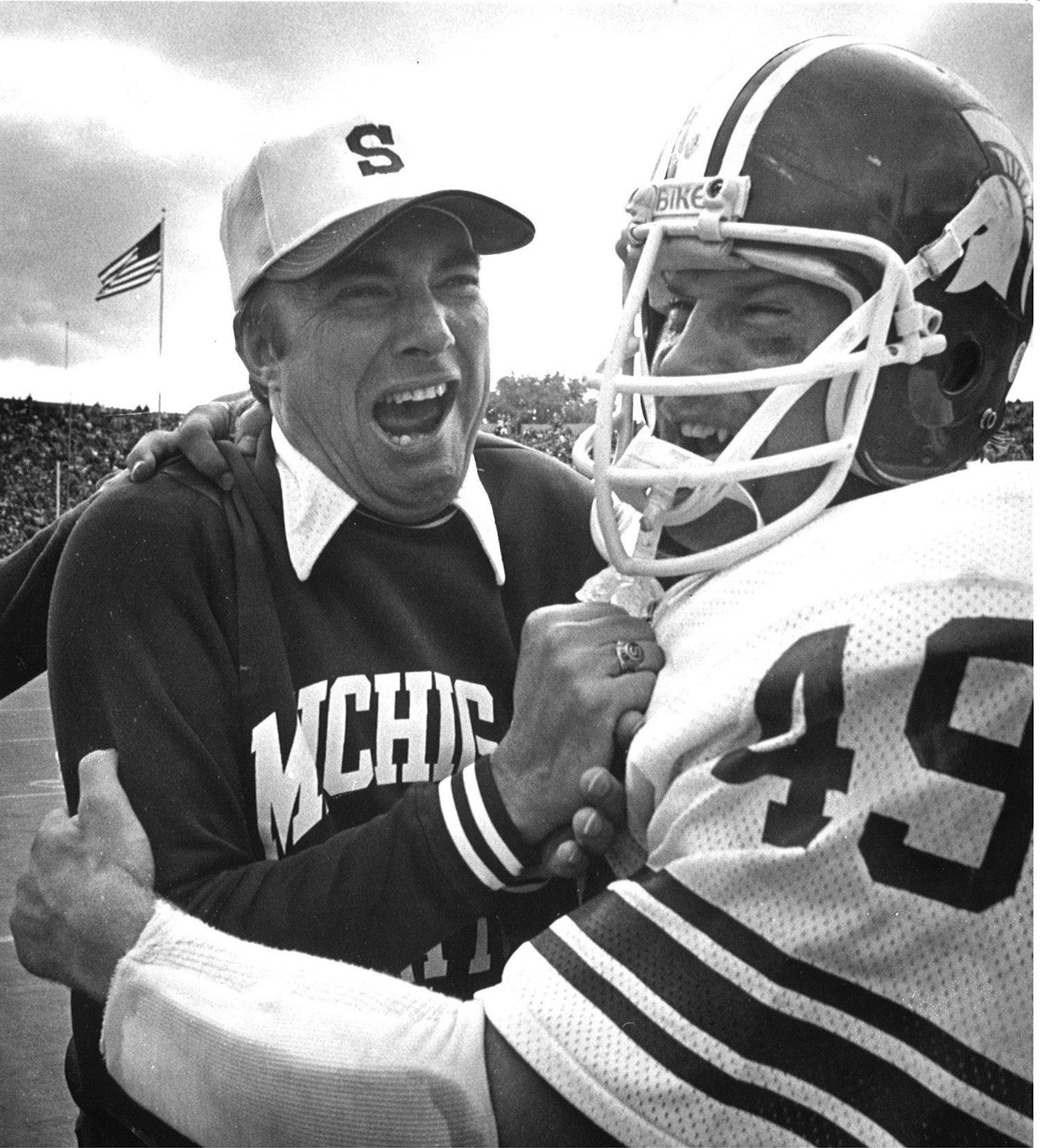 Darryl Rogers, left, with linebacker Dan Bass. Rogers was coach of the MSU Spartans from 1976-1979.