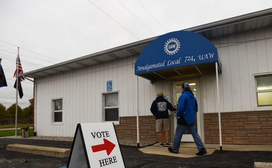 Members of UAW Local 602 enter UAW Local 724 headquarters early Thursday morning, Oct. 24, 2019, to cast their ratification votes on a new contract with GM. The 602 facility cannot hold the expected turnout so they voted at the Local 724 headquartered on Clare Street in Lansing.