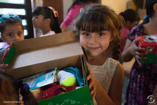 Shoebox distribution at Iglesia Apostolica de la Fe en Cristo Jesus in Mazatlan, Mexico drew big smiles from recipients.