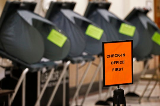 Dublin Town Council members on Tuesday voted to break an election tie for the fifth and final seat on the council.