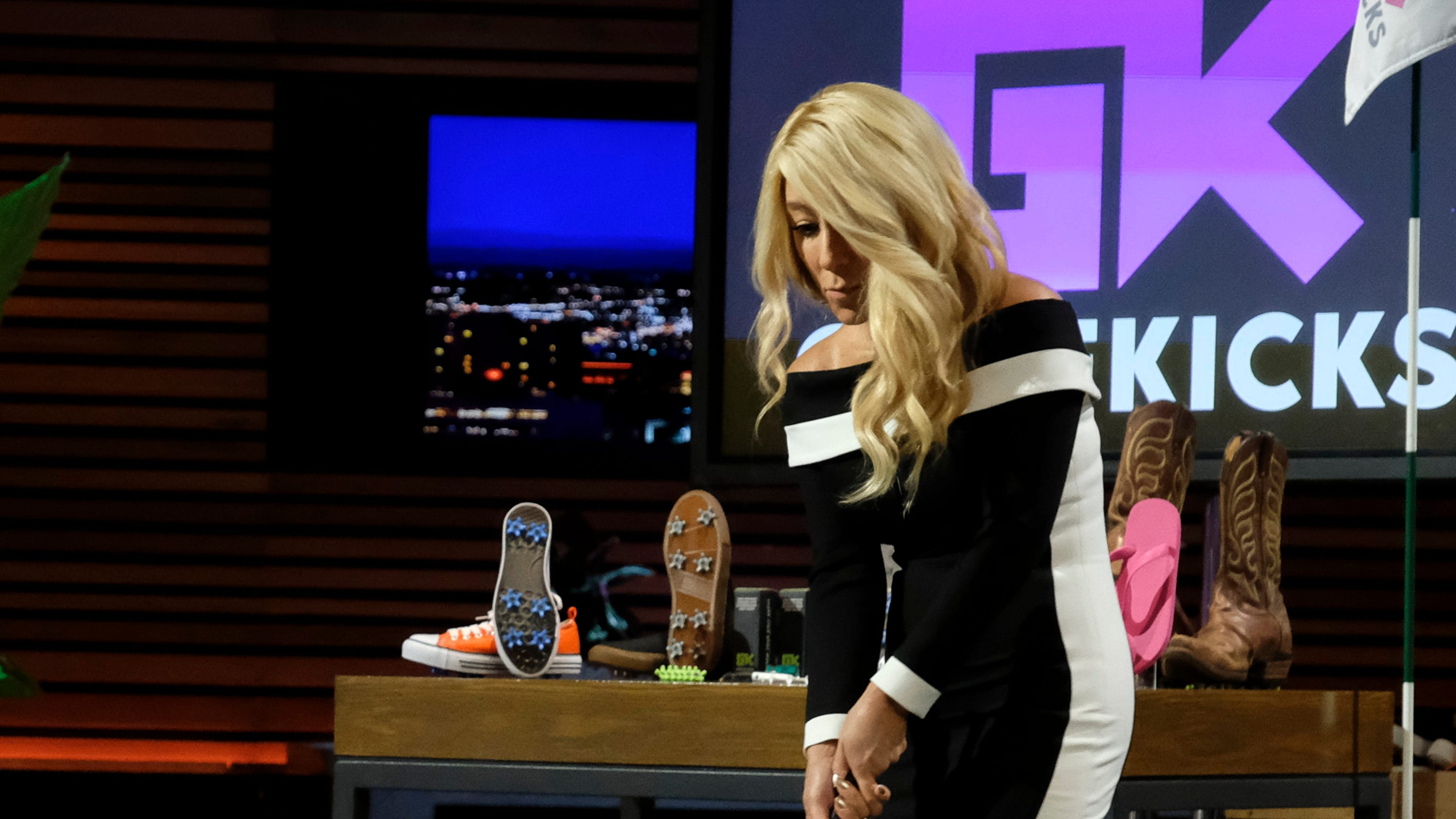 'Shark Tank': Turning shoes into golf shoes is a hole in one for Denver entrepreneurs thumbnail